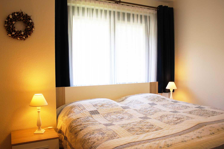 Schlafzimmer der Ferienwohnung Fisch und Schipp (bis 4 Pers.)
